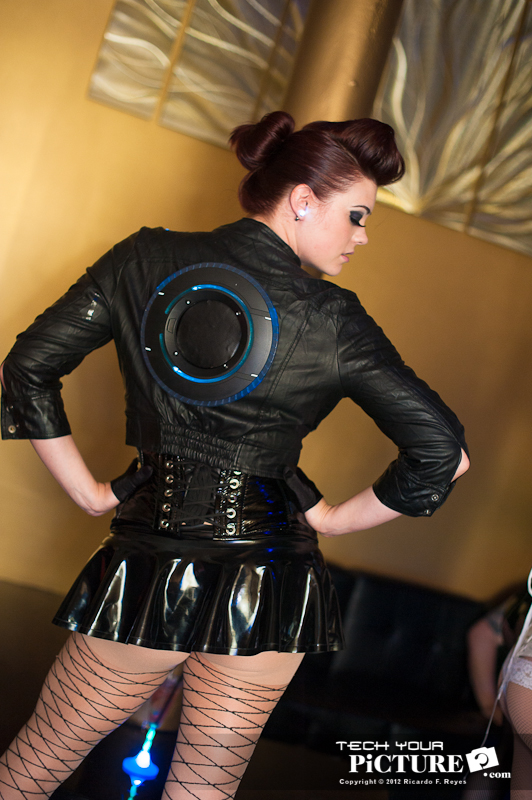 dance_boutique_072212_robot_cosplay-48